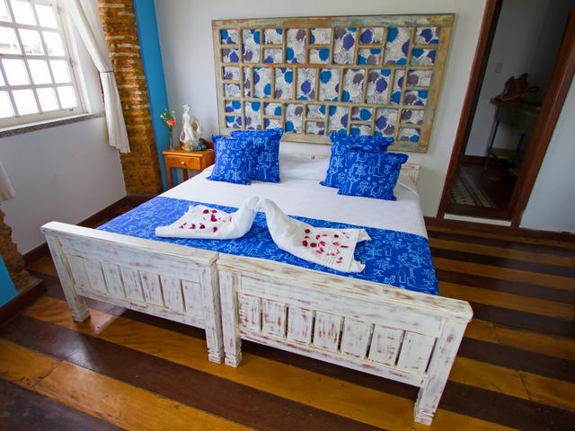 Double room Yemanjá, queen bed, Pelourinho, Salvador, Bahia