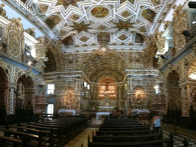 Interior de igreja histórica, Pelourinho, Salvador, Bahia