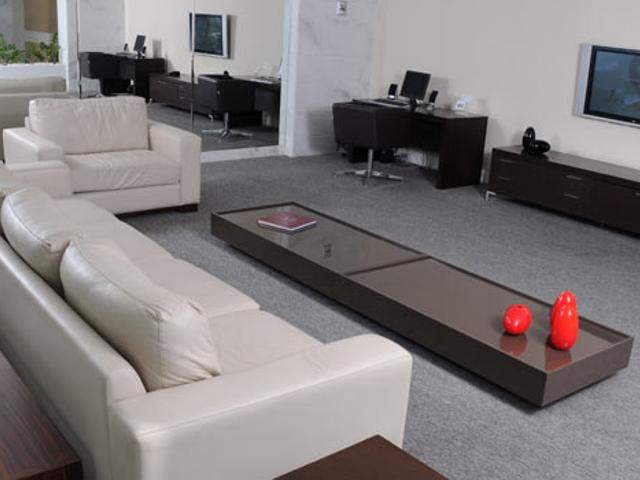 Business Center equipados com computador e TV LCD