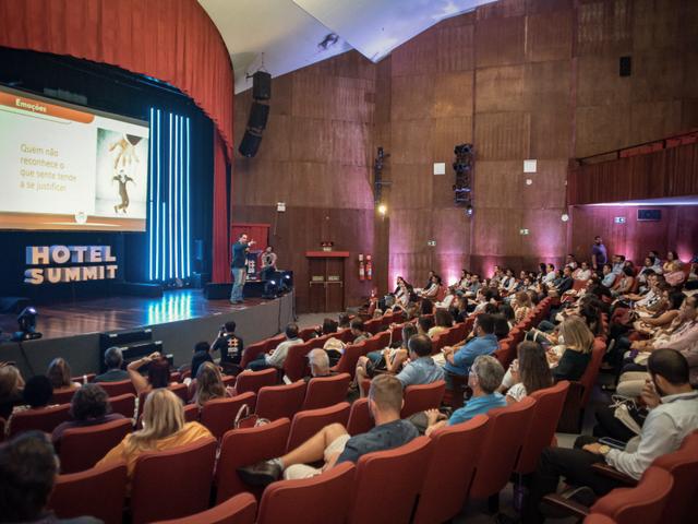 Palestra de Alex Magno - Hotel Summit 2019