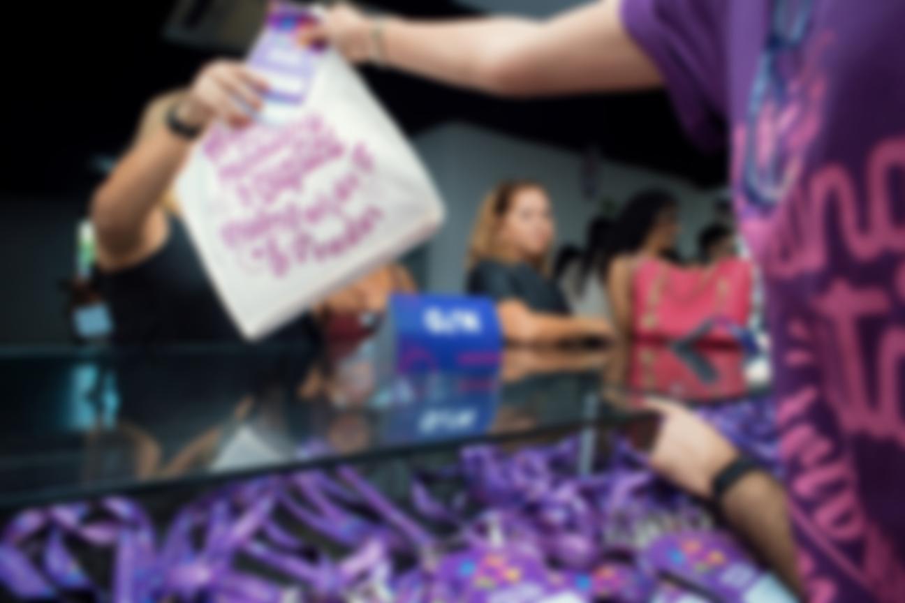 Hora do credenciamento - Crachá e kit - Hotel Summit 2019