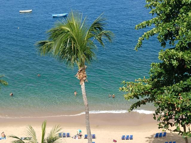 Praia do Porto da Barra - Grande Hotel da Barra