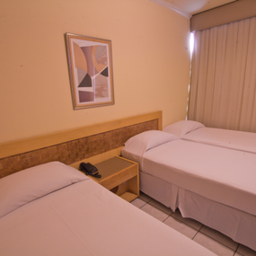 Apartamento Duplo Standard Twin + Cama Extra - Standard Double Room + Extra Bed